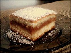 Prăjitură turnată cu mere